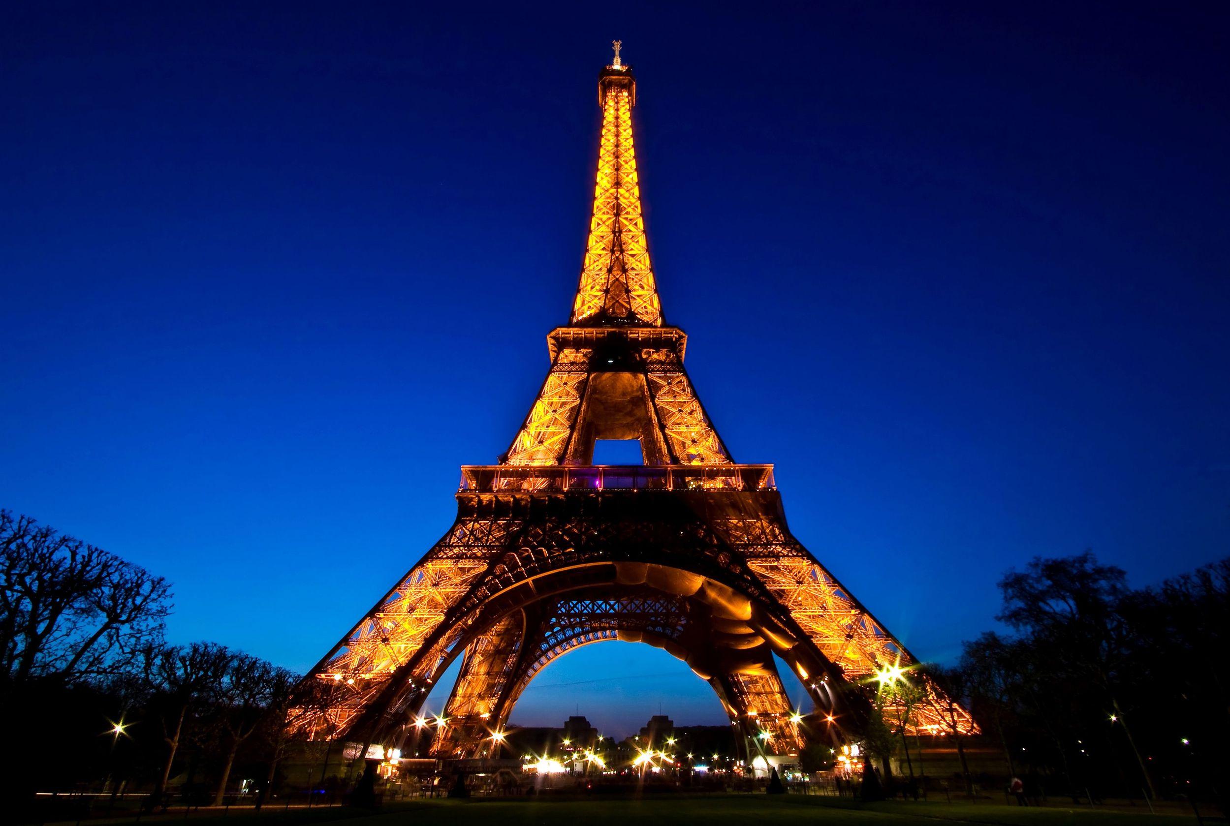 """La maldición de la Torre Eiffel """"rompe parejas"""" ¿mito o realidad?"""