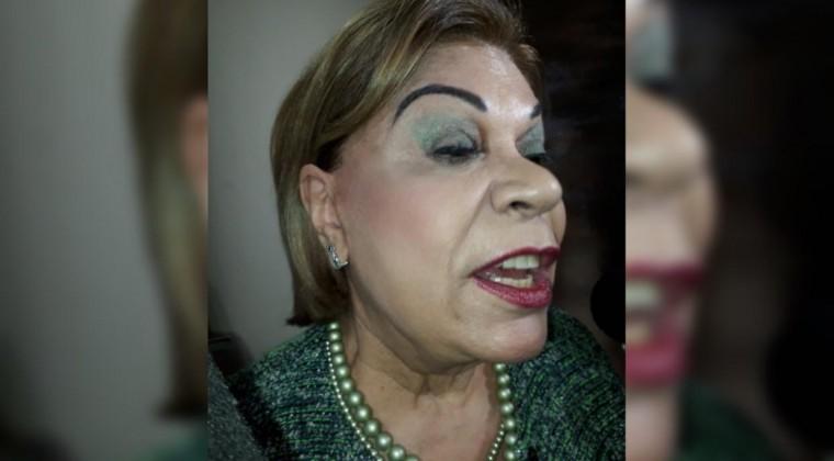 """El maquillador de las tops aconsejó a la ministra """"jai level"""""""